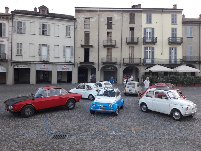 Calendario Raduni Fiat 500 2020.Giovedi 04 07 Gli Amici Dell Oltrepo